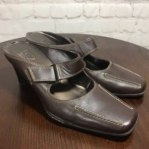 7.5 AEROSOLES A2 brown leather mules Velcro strap